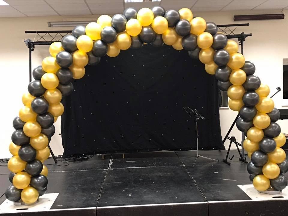 Black and Gold Classic Balloon Arch